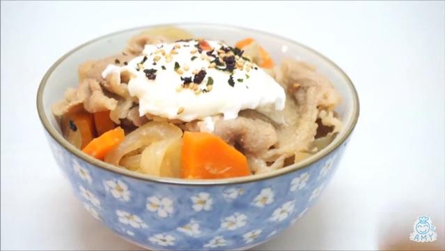 溫泉蛋牛肉飯 Poached egg beef Bowl